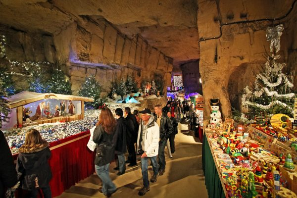 kerstmarkten valkenburg- kerstmarkt gemeentegrot - kerstmarkt fluweelengrot  vakantiewoning valkenburg