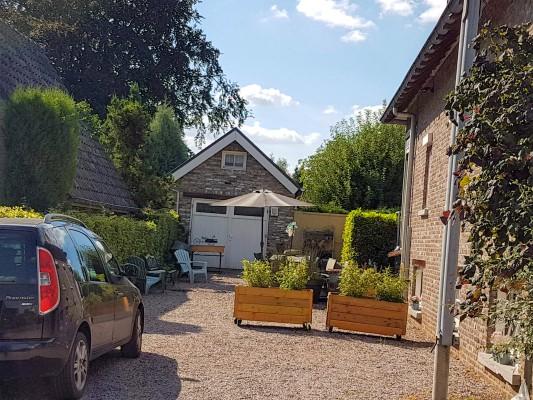 gratis parkeren op oprit voor terras vakantiewoning Valkenburg