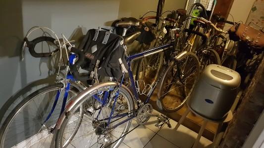 fietsen overdekt stallen in de vakantiewoning